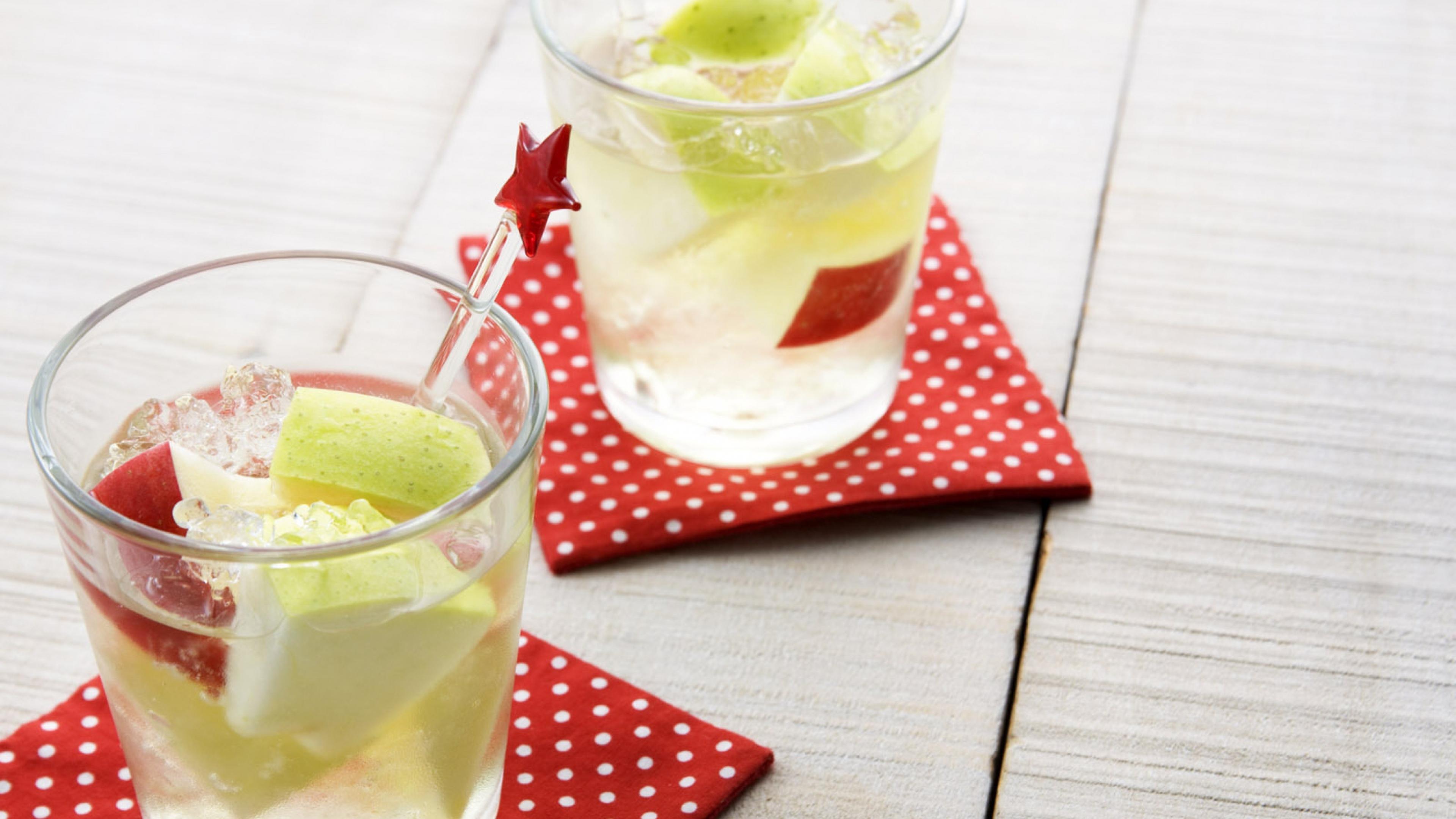 drink_glass_ice_fruit_88272_3840x2160