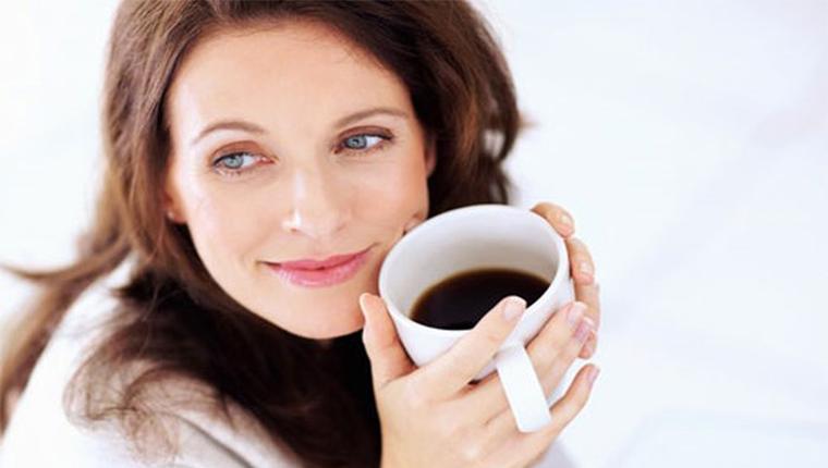 thưởng thức cafe